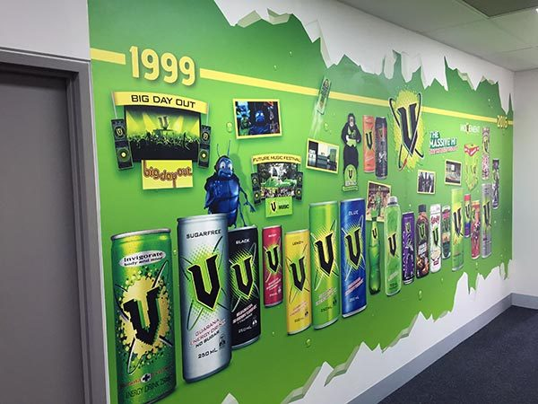 V history wall left